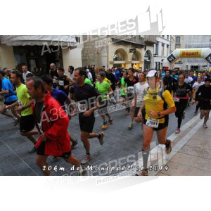 photos-20km-de-montpellier-2014-place-comedie / depart