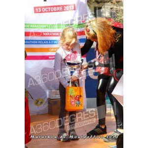 photos-marathon-montpellier-2013-place-comedie / marathon-montpellier-2013-courses-enfants-podiums-enfants